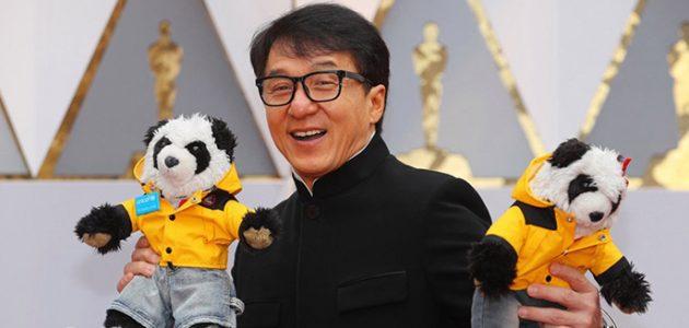 Retour sur la folle nuit des Oscars de Jackie Chan !
