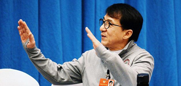 Jackie Chan au 13e Comité national de la CCPPC à Pékin
